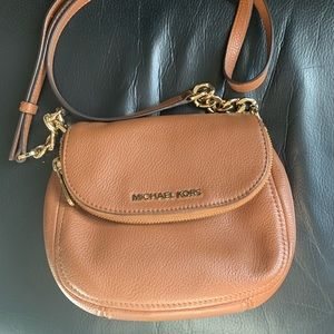 Beautiful Michael Kors crossbody handbag